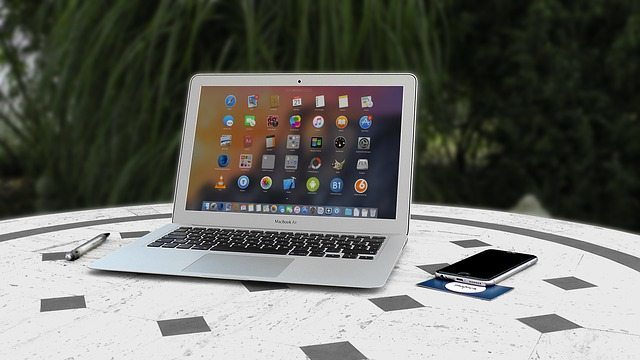 El freelancer puede trabajar desde donde sea y mantener todas sus funciones en orden